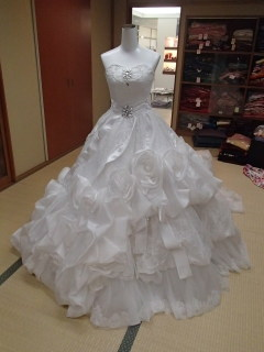 ミニチュアドレスとレンタルドレス