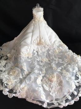 ミニチュアウェディングドレス